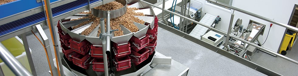 Silikal industrievloeren kunnen in de kortst mogelijke tijd worden gelegd. In een nacht is het mogelijk de industrie vloer te leggen en weer in gebruik te nemen, zonder het productieproces te verstoren!